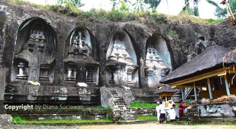 Candi Gunung Kawi difungsikan sebagai tempat untuk memuja
