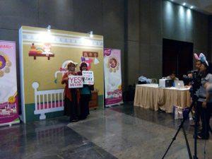 Prenagen susu hamil photo booth Vicky Laurentina