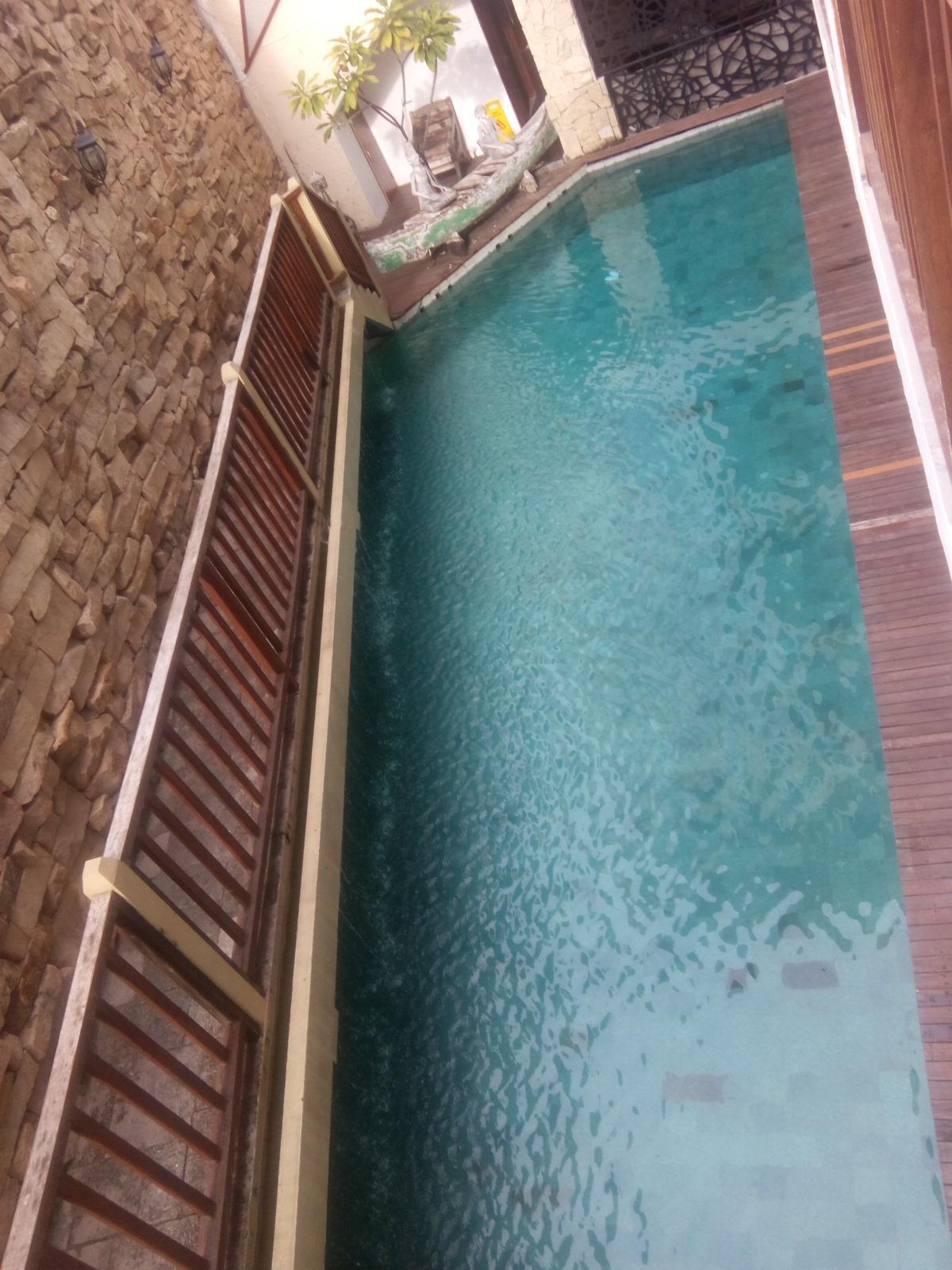 Kolam renang hotel di Bali