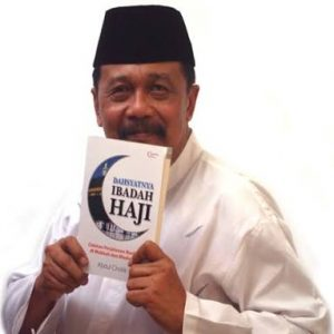 kreatif Cholik menulis buku
