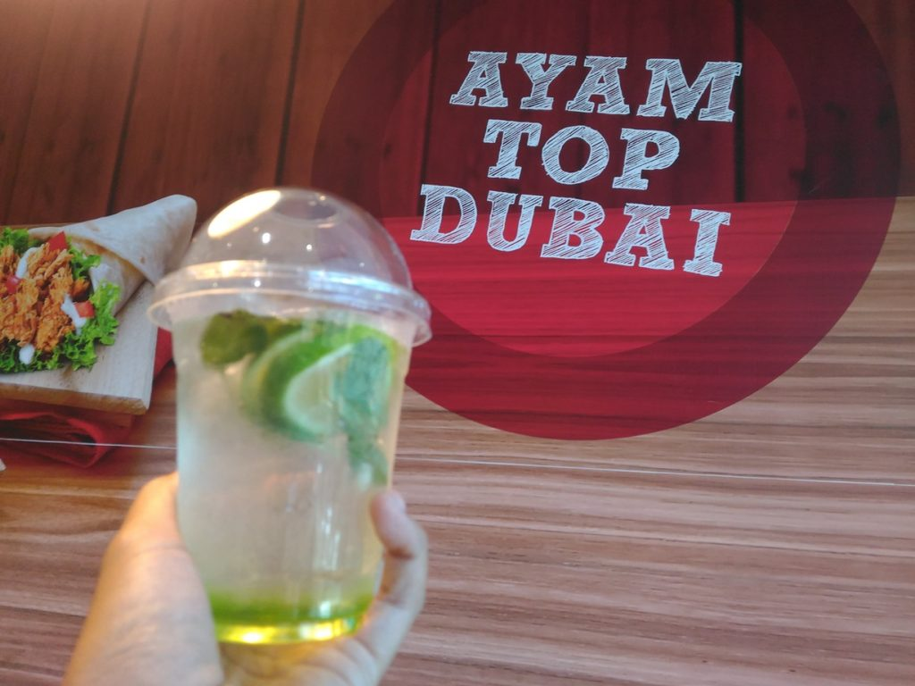 minuman segar Green Apple Dubai Breeze