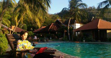 Main di Pesisir Pantai Hotel Watu Dodol