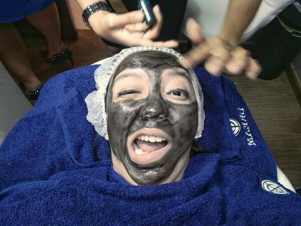 Cara merawat wajah dengan black doll laser treatment