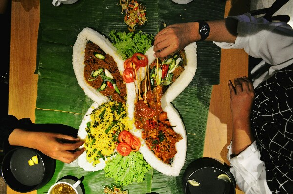sego grudukan di Batiqa Hotel Darmo Surabaya