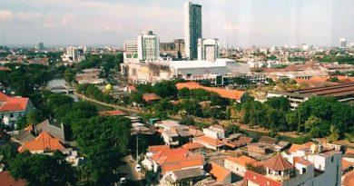 View dari restoran rooftop di Surabaya