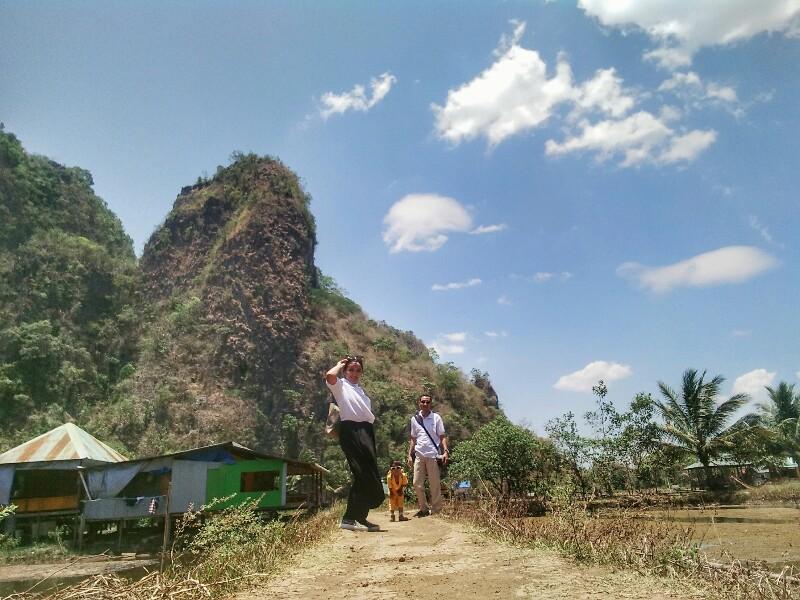 Hutan batu kapur di Rammang Rammang Maros