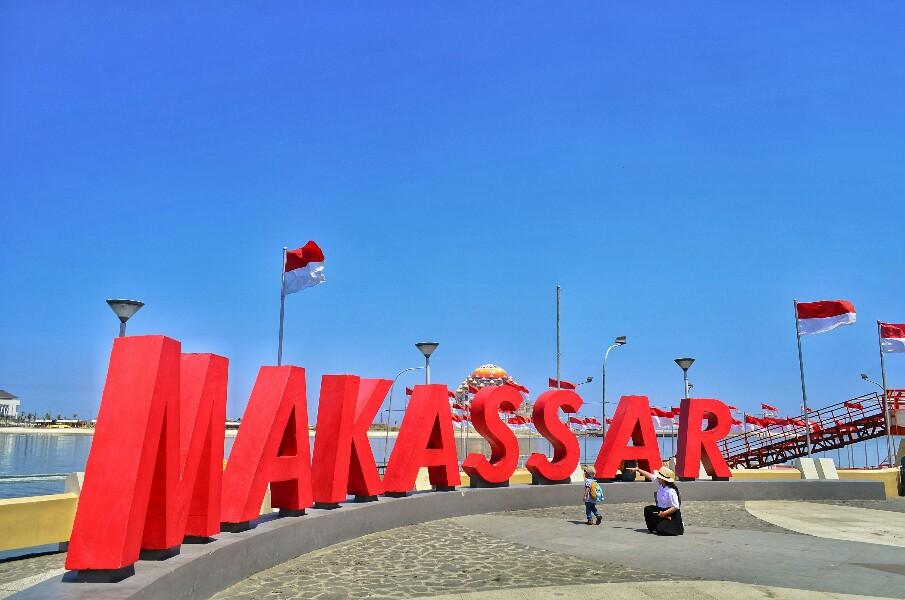 Pantai Losari di Kota Makassar