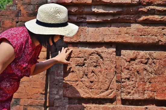 relief peninggalan kerajaan Majapahit