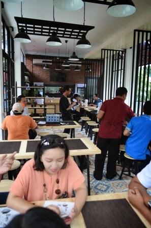tempat nongkrong di Surabaya Eddy Fahmi