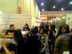 Pasar industri fashion di Surabaya sudah mulai diinvasi oleh pengusaha muda dari Jakarta. Booth ini salah satu contohnya, Alinskie Brothers.