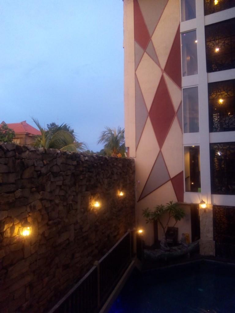 bangunan hotel di Bali Vicky Laurentina