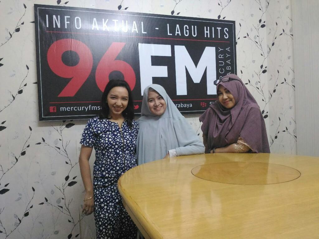 Emak-emak blogger di Radio Mercury