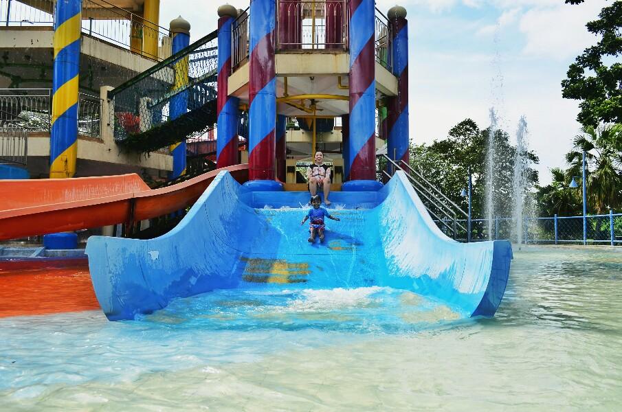 kolam renang di Surabaya