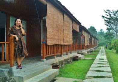Pura-pura Jadi Warga Lokal Borobudur